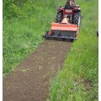 Odstraňovač starých trávnatých plôch - pôdna fréza